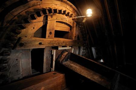 Opening molen Thesinge molen houtwerk.jpg