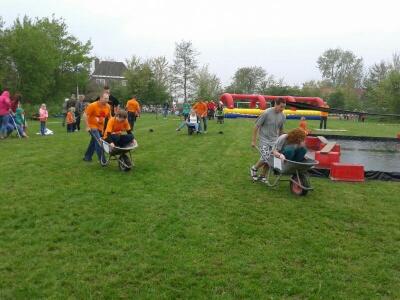 Oranje-2014-kruiwagen2.jpg