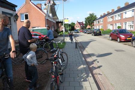 ET fiets en fietser 54 Thesinger fietstocht - Mannen Oomkes, Mollema en Van der Veen klaar voor de start.JPG