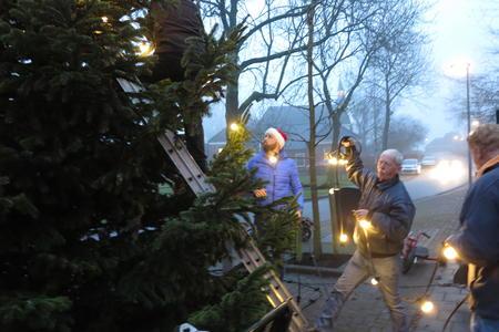 kerstboom optuigen 2.JPG