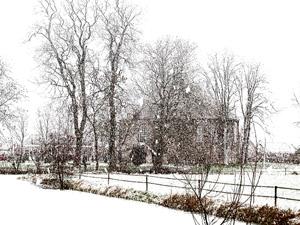 Sneeuw_kerkje_zw.w.jpg