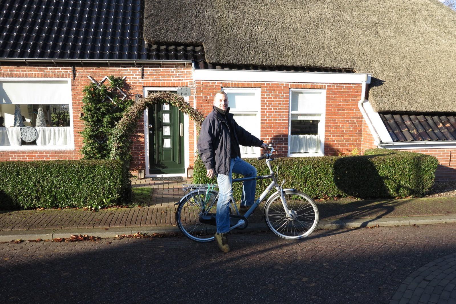 et-fiets-en-fietser-115-henk-van-zanten-bij-intocht-sint-oi.jpg