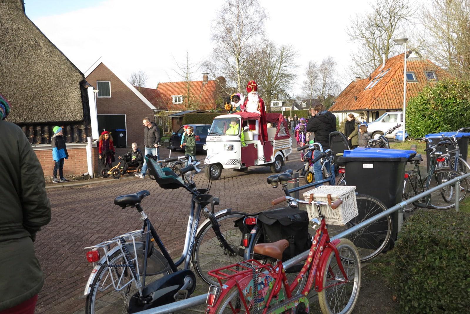 et-fiets-en-fietser-117-intocht-sint-oi.jpg