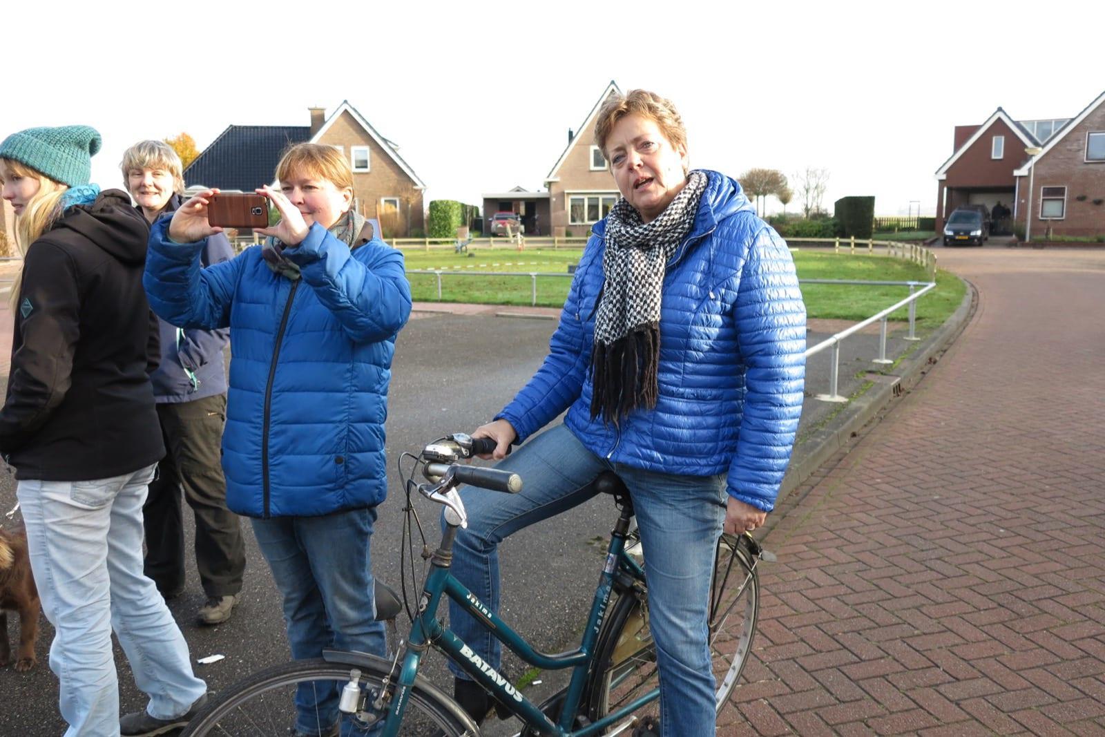 et-fiets-en-fietser-119-lucy-kol-met-pot-drop-fiets-oi.jpg