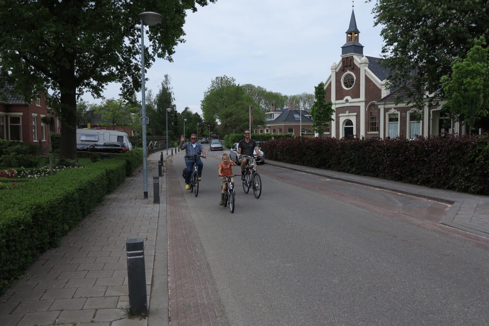 et-fiets-en-fietser-36-drie-generaties-v.d.-veen-oi.jpg