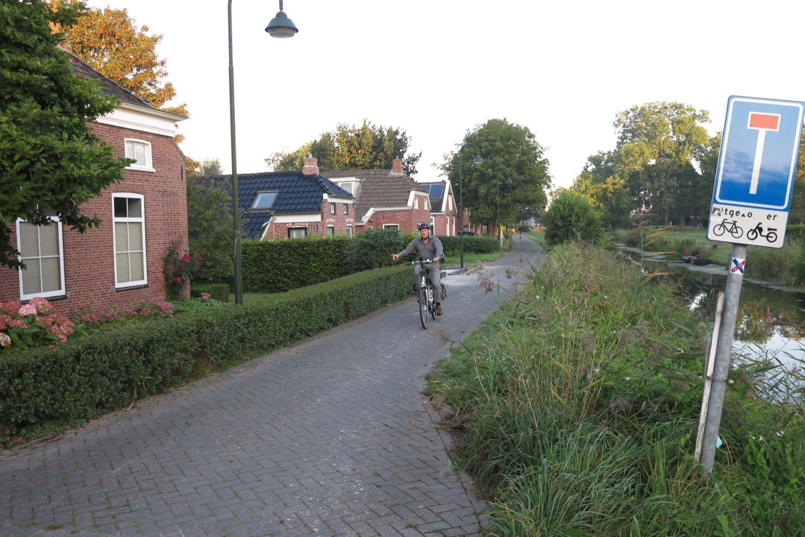 et-fiets-en-fietser-66-hatta-oi.jpg