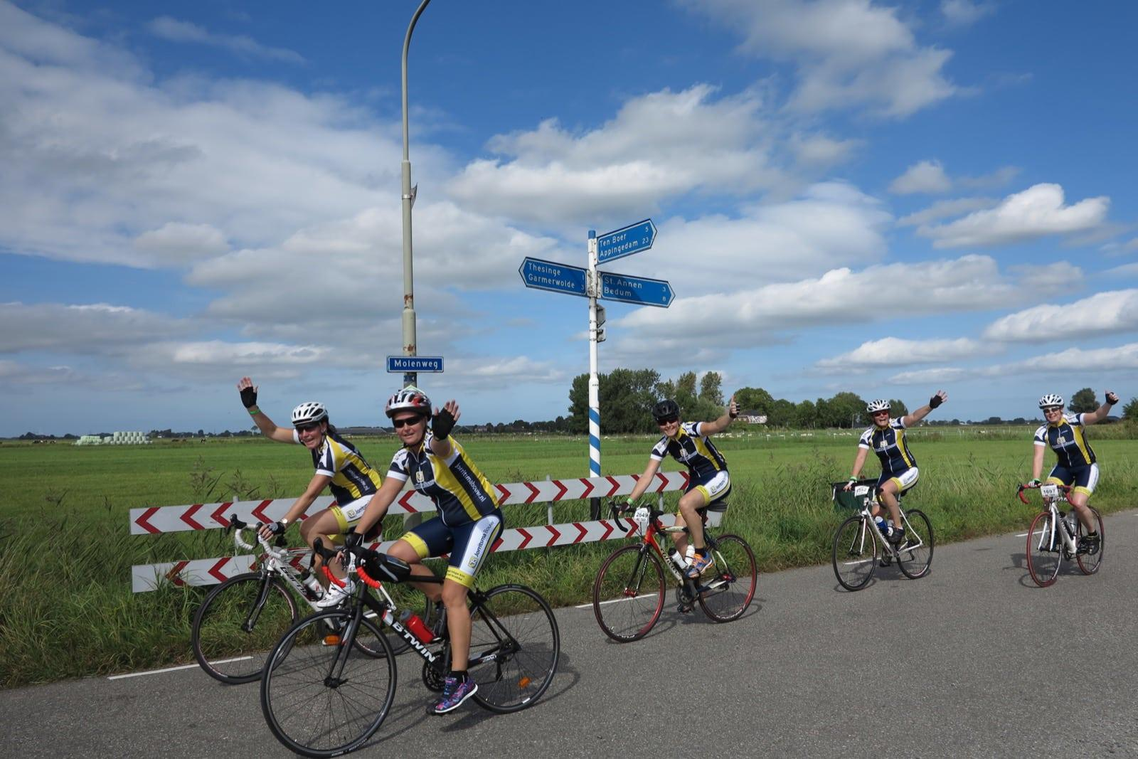 et-fiets-en-fietser-80-zondagse-tour-komt-door-thesinge-oi.jpg